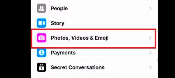 where does facebook messenger save photos